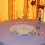 1 assiette de 24cm en porcelaine blanche, 1 assiette à dessert en porcelaine blanche, 1 verre à vin, 1 flûte à champagne, 1 fourchette, 1 couteau, 1 petite cuillère , location de vaisselle dans le gers et les landes pour mariage, communion, baptêmes, anniversaire...